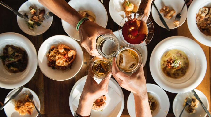 5 Tips for Handling the Holidays without Adding Handles to Your Waistline